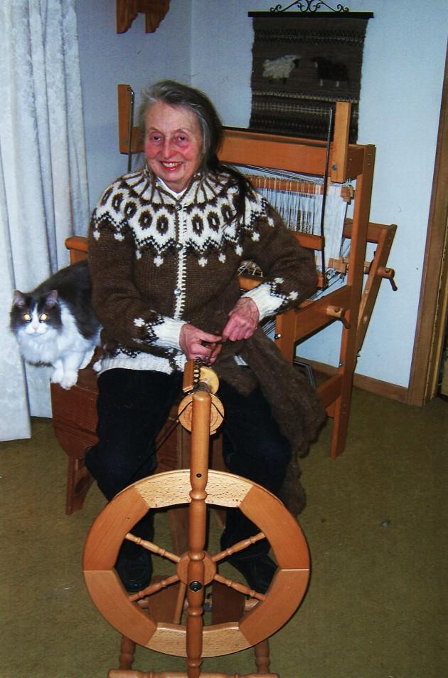 nancy-spinning